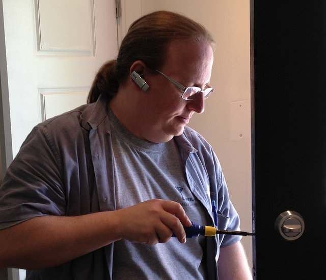 a picture of a pro locksmith